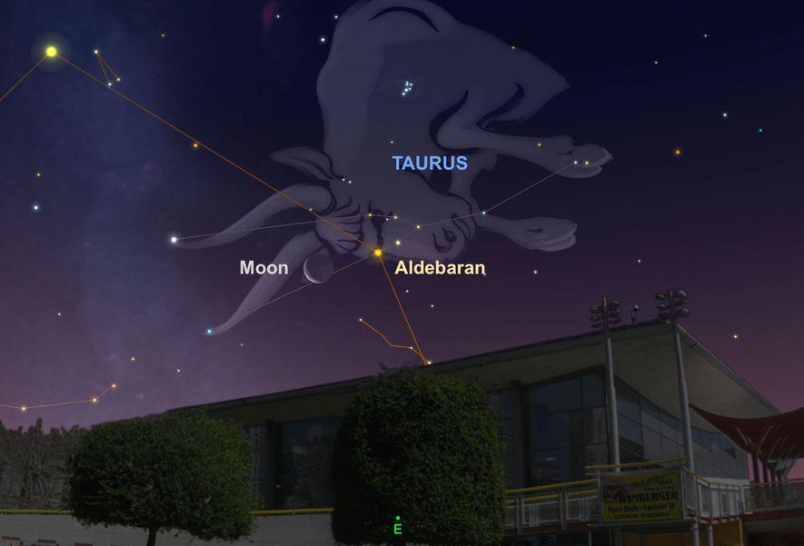 Busca la Luna cerca de la brillante estrella Aldebarán en las primeras horas del 28 de ...