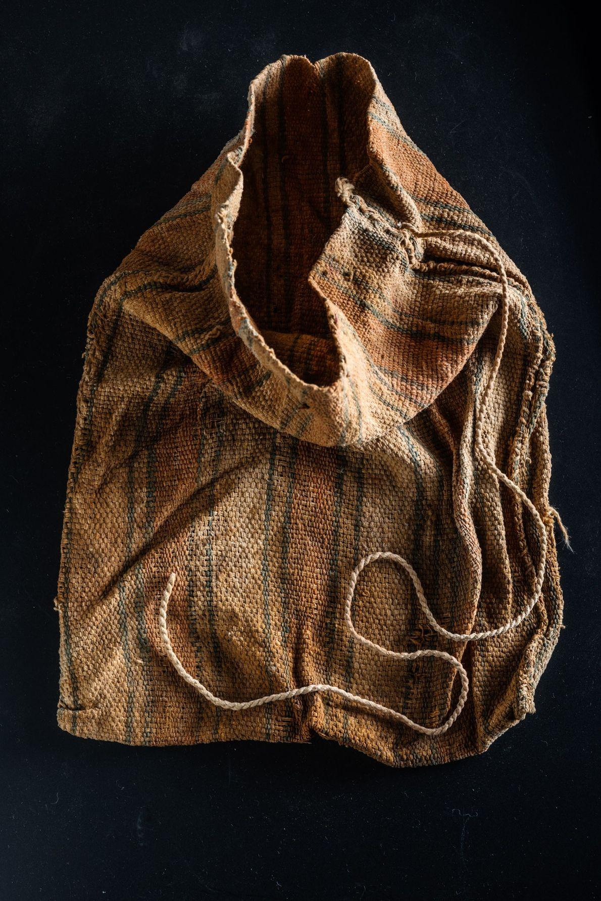 Las telas wari eran uno de los tesoros más preciados de la tumba imperial del Castillo …