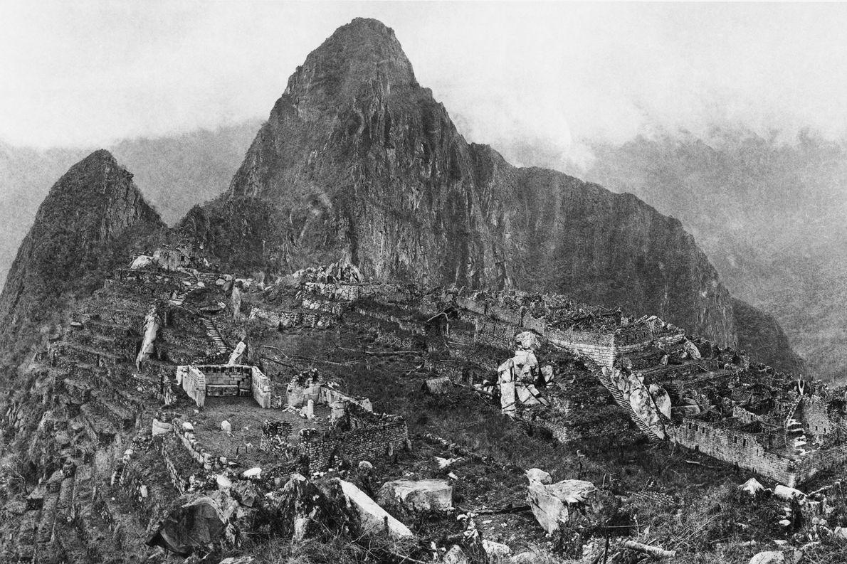 Entre 1912 y 1915, una joven National Geographic Society financió la excavación de Hiram Bingham de …