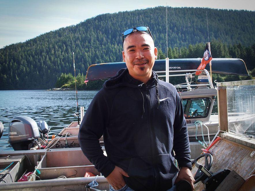 Doug Neasloss, jefe electo de la nación Kitasoo/Xai'Xais, ayudó a inaugurar el Spirit Bear Lodge, en Klemtu, que reactivó el ecoturismo en la región.