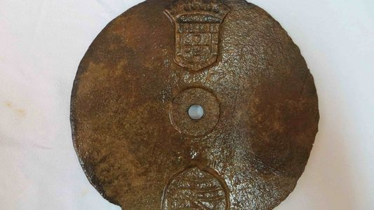 Confirmado: el disco descubierto en el naufragio del Esmeralda era un astrolabio