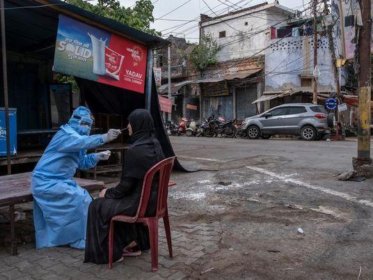 En la India, millones de voluntarias forman la respuesta de primera línea a la COVID