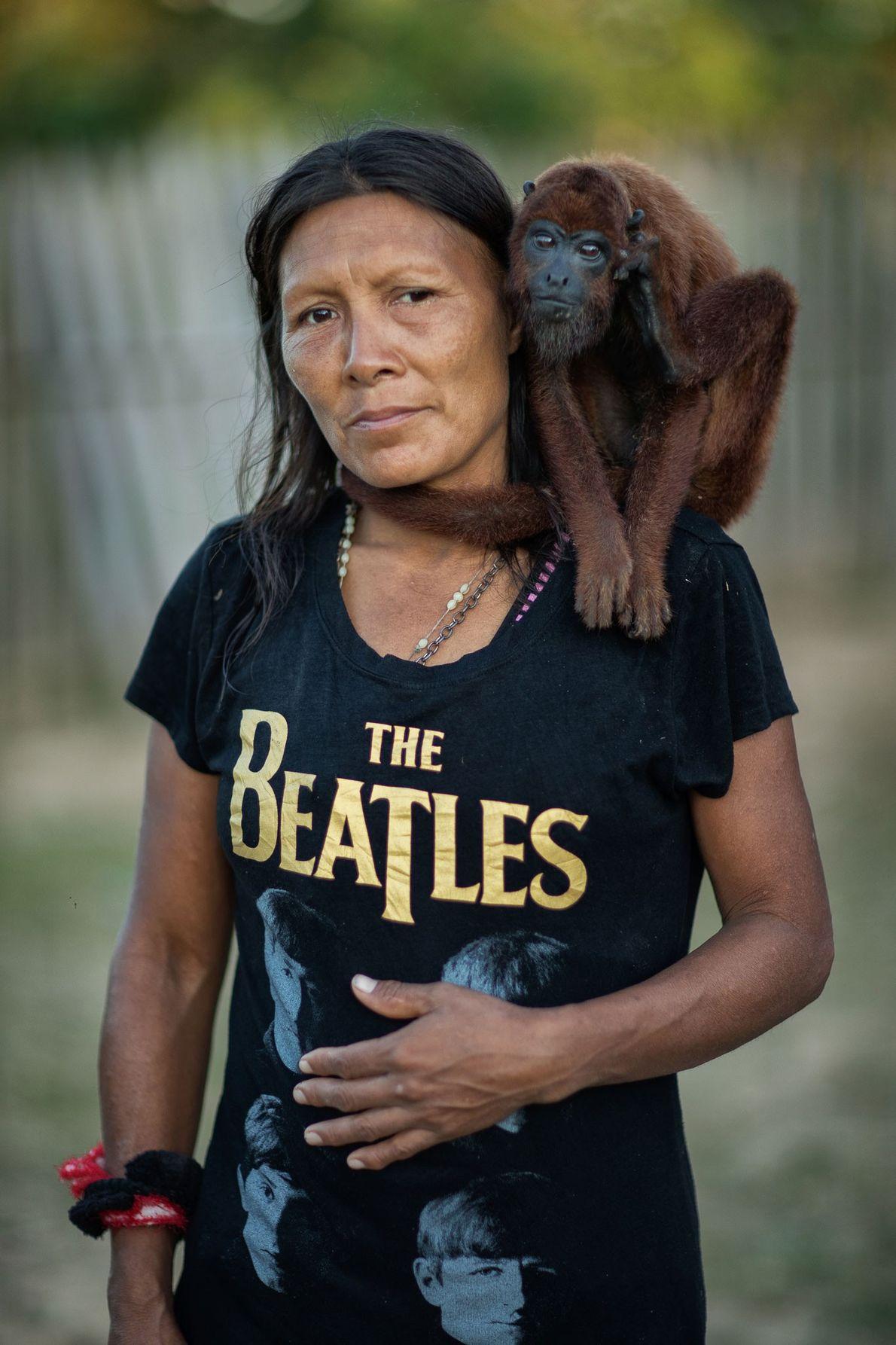 Rosaura con su mono