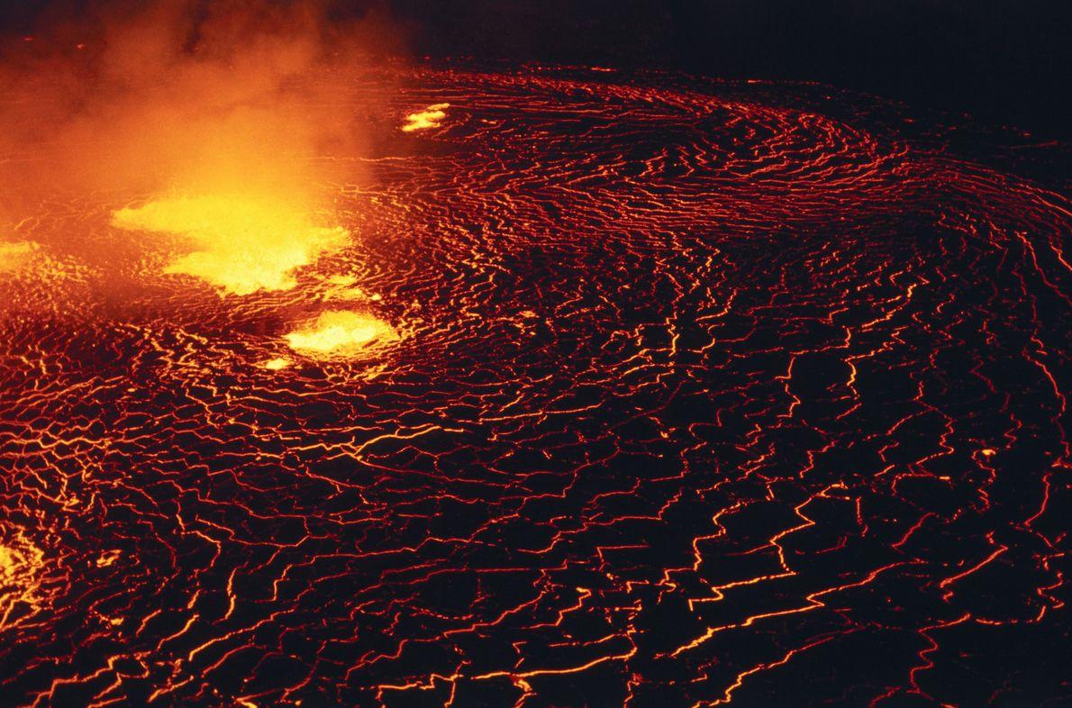 Cráter Halemaʻumaʻu del volcán Kilauea