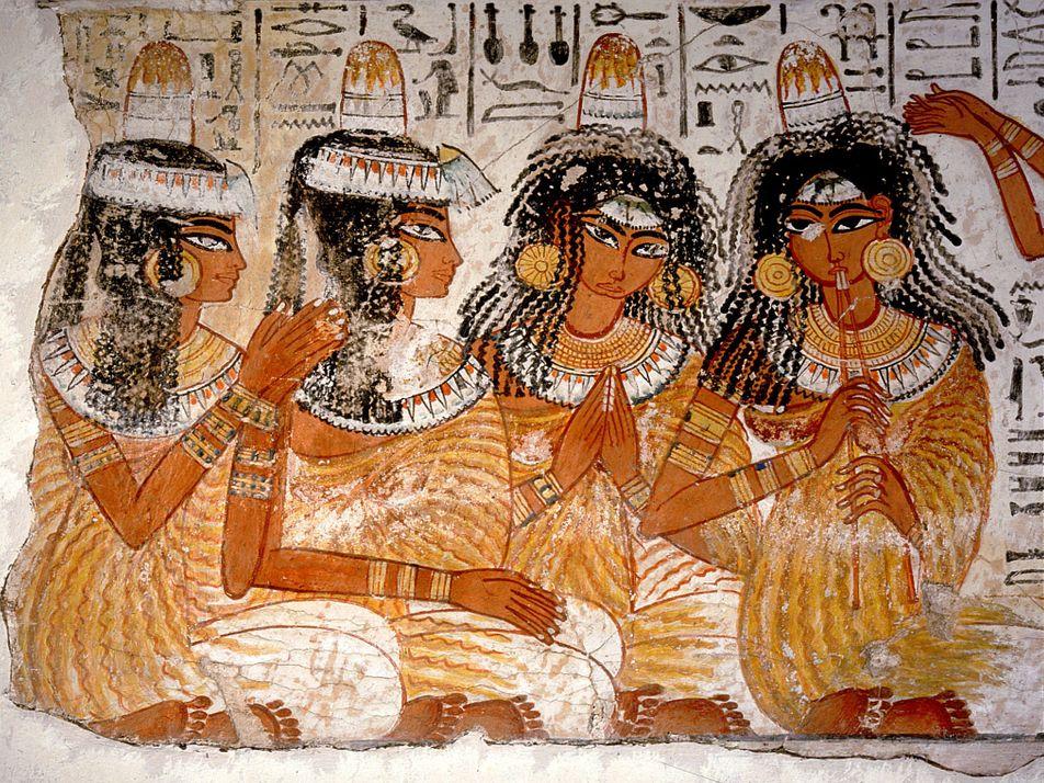 Hallan los primeros restos de los misteriosos «sombreros» cónicos del antiguo Egipto