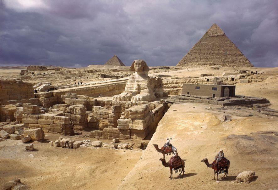 Las pirámides de Guiza y la Gran Esfinge.