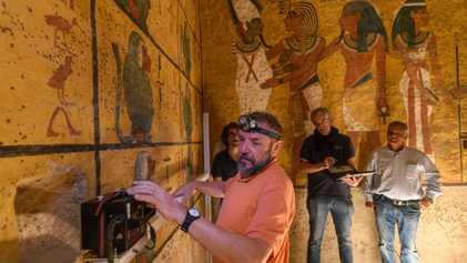 Fotos exclusivas: continúa la búsqueda de cámaras ocultas en la tumba de Tutankamón