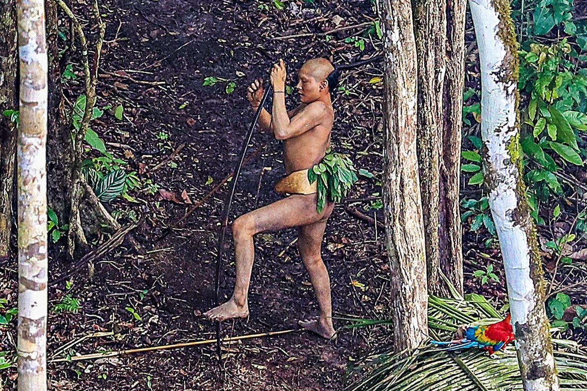 Imagen del miembro de una tribu amazónica