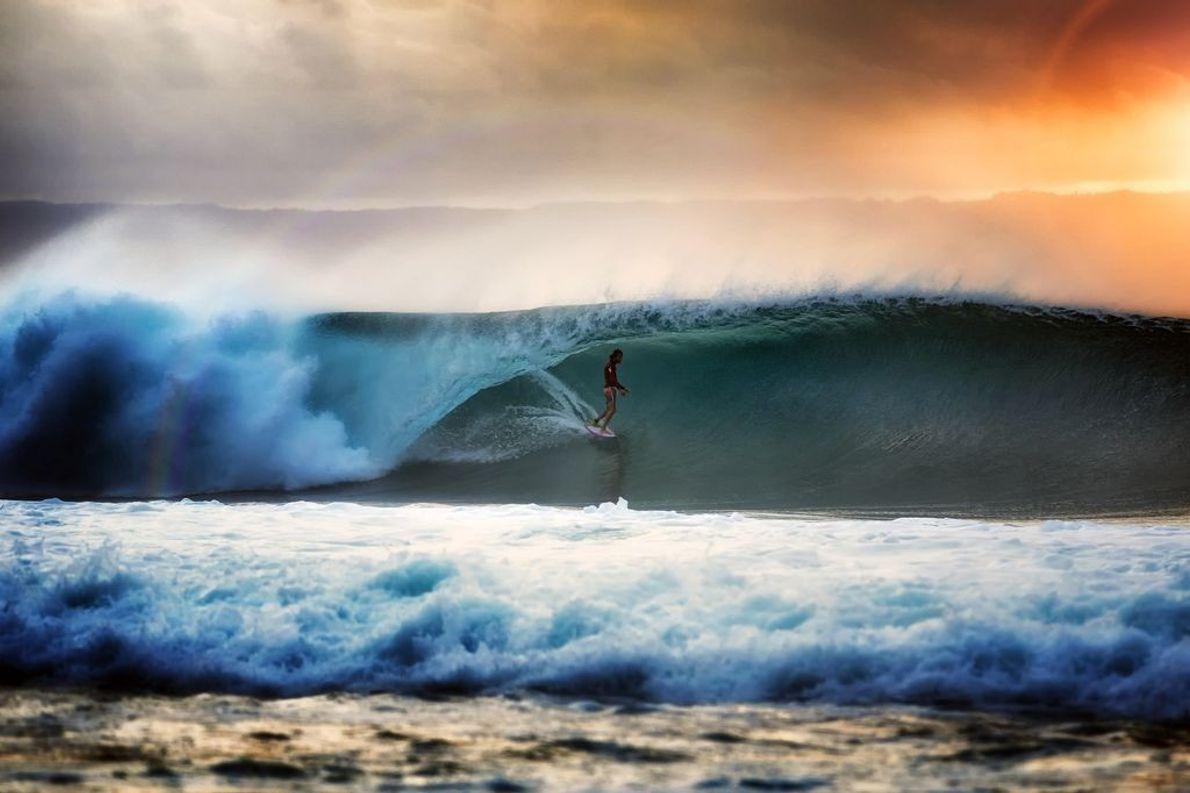 Jean Da Silva surfeando en Lombok, Desert Point