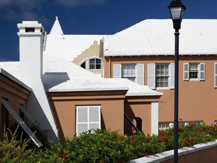 Pintando los tejados de blanco