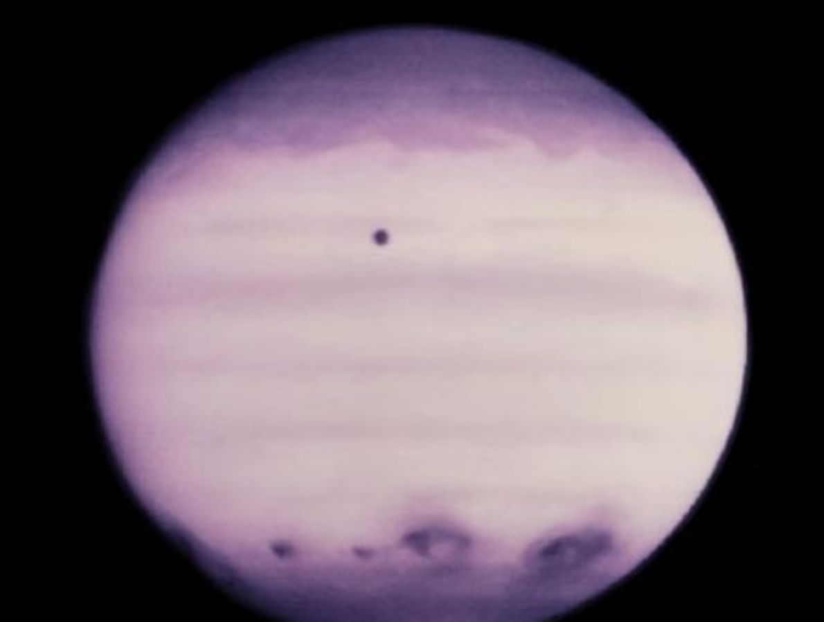 El cometa colisiona con Júpiter