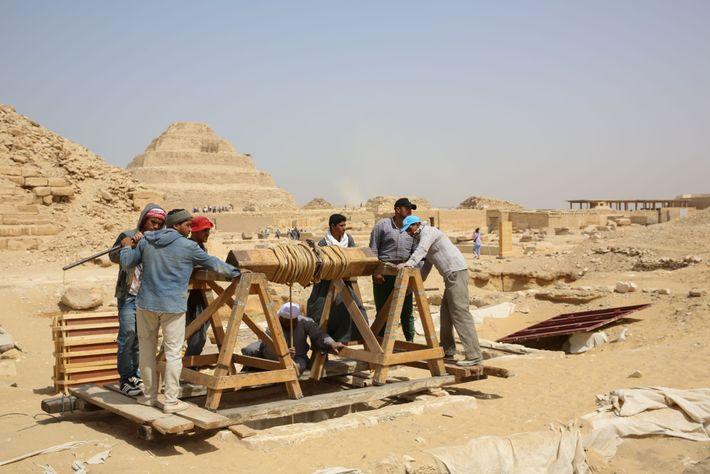 Obreros trabajando en Saqqara