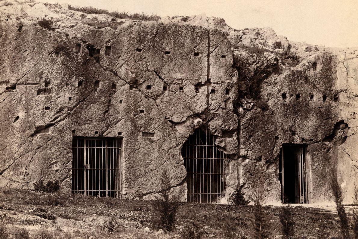 Cueva de Atenas