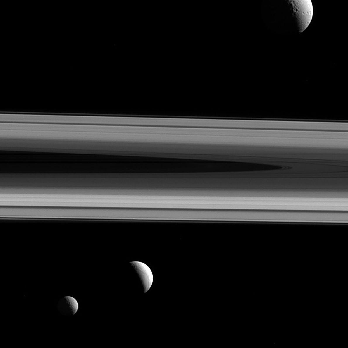 Tetis, Encélado y Mimas