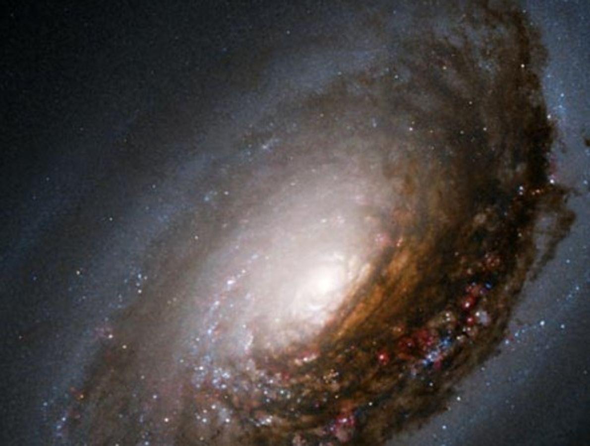 Galaxia del ojo negro
