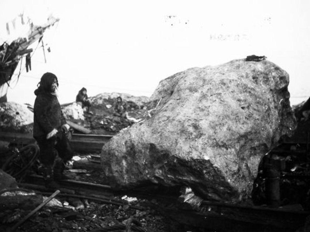 MOVIENDO UN METEORITO EN 1897