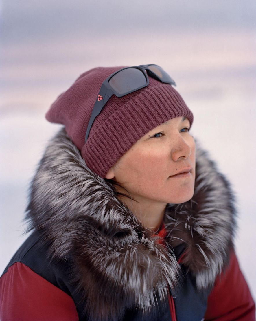 Marie Naqitarvik, de 30 años, no a cazar y acampar de niña. Aprendió tras casarse con ...