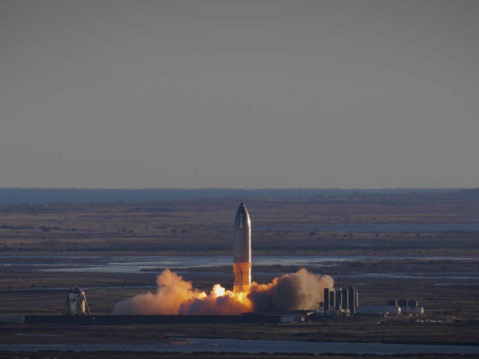 Así fue el primer vuelo de gran altitud del Starship de SpaceX