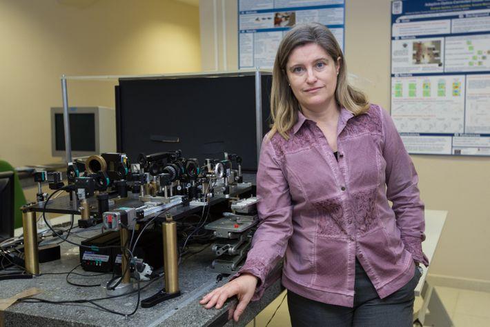 Susana Marcos Celestino ha dedicado su carrera al estudio de la biología del sistema visual y al diagnóstico ...