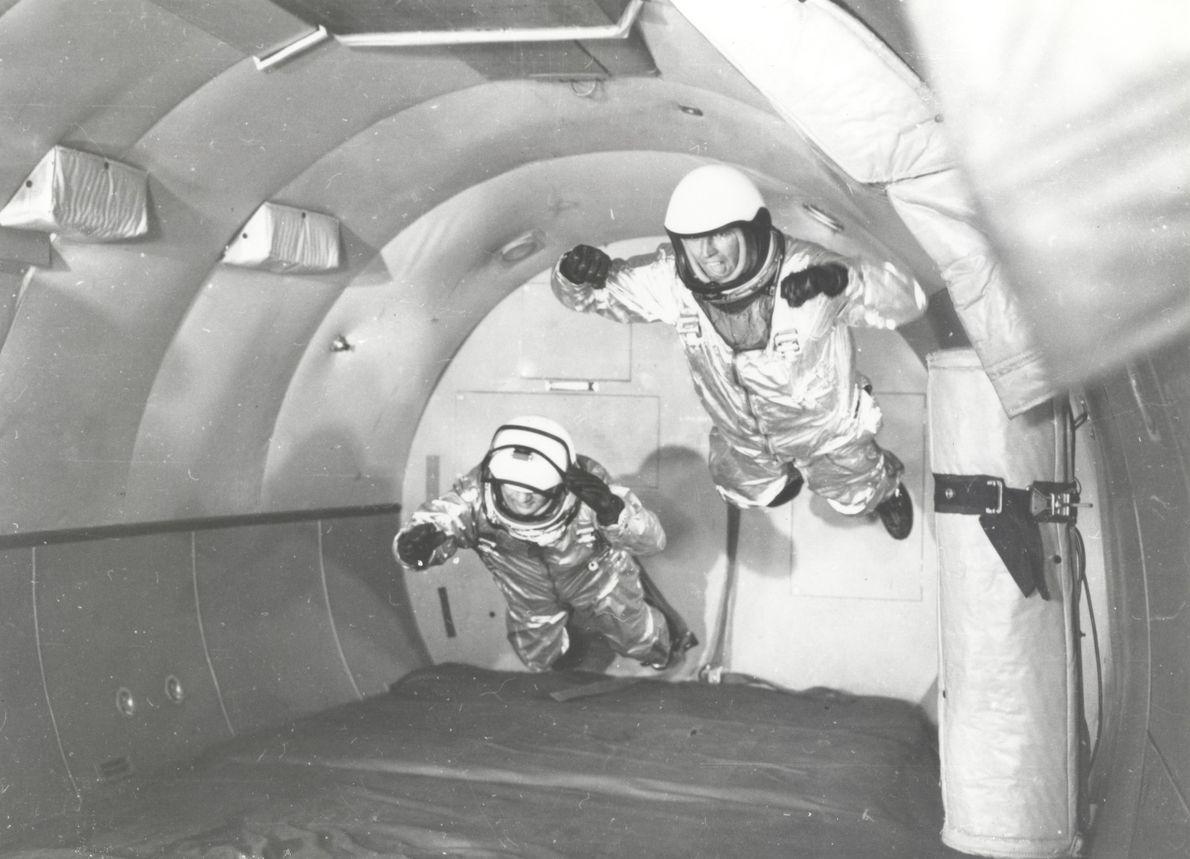 Astronautas en la naveC-131