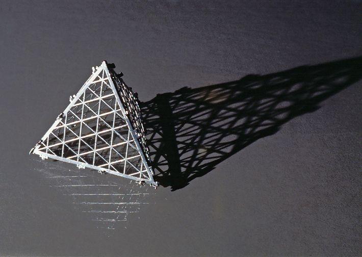 Tetraedro metálico