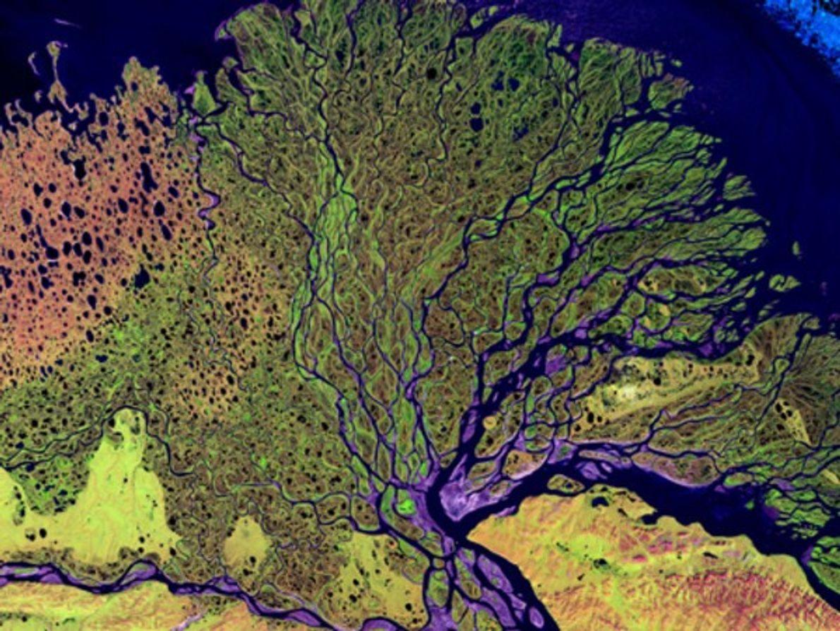 Una vista desde el espacio muestra la amplia llanura del delta del río Lena, a 30.000 …