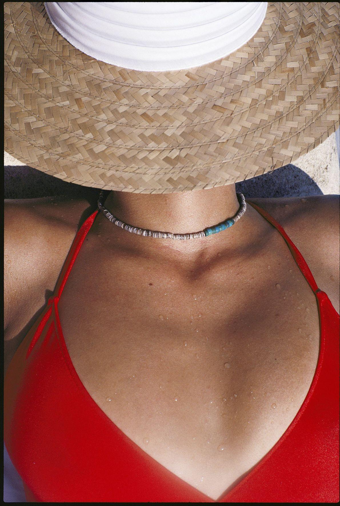 Con el sombrero puesto