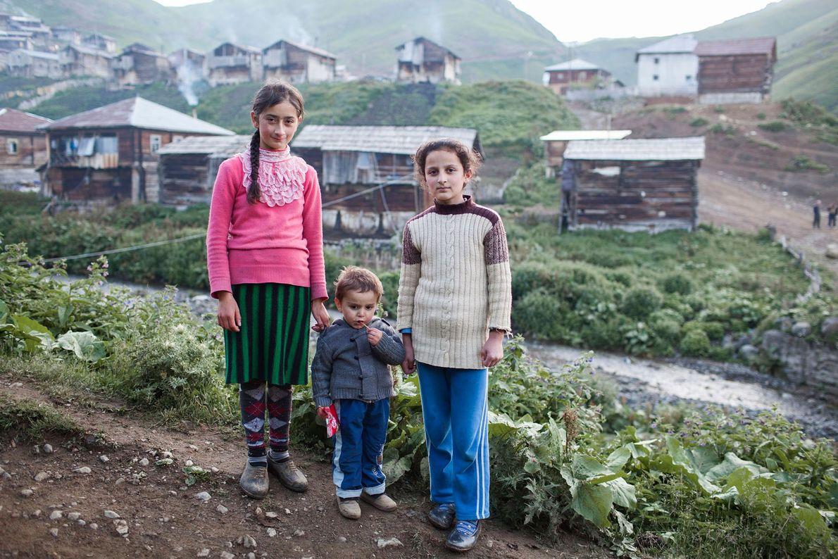 Imagen de unos niños en una aldea
