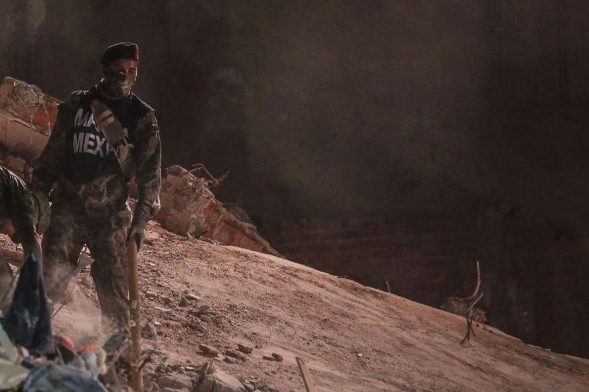 Un miembro del ejército mexicano