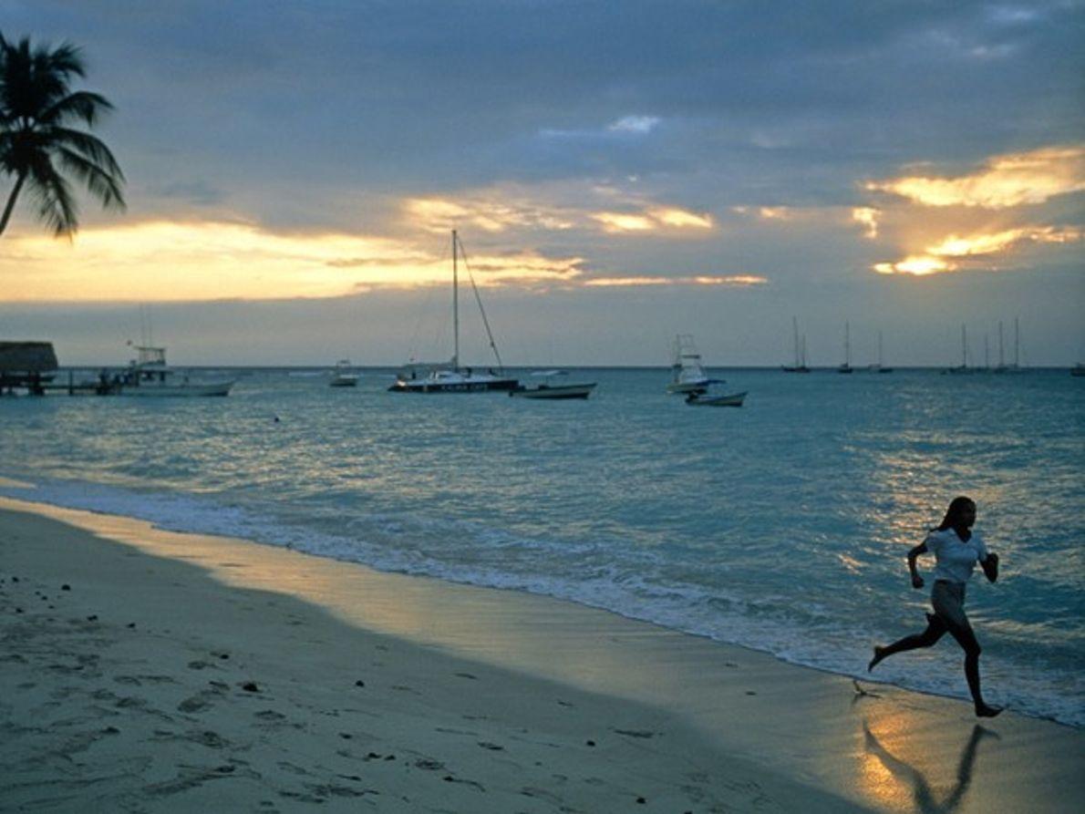 Deporte al borde del océano
