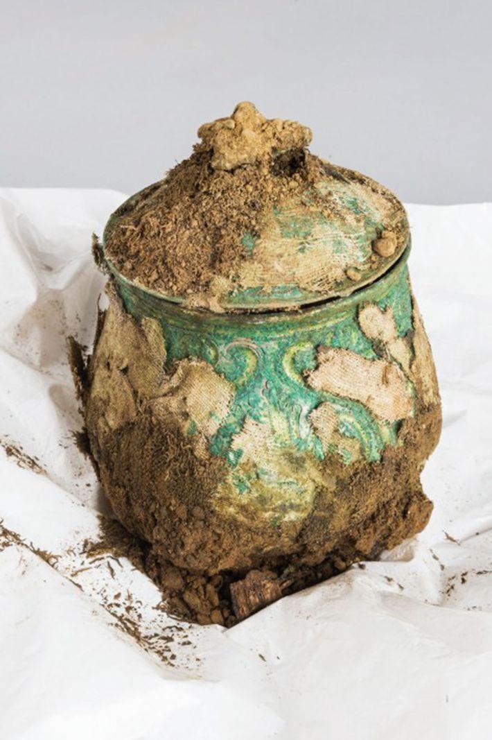 Imagen de un cofre con un tesoro vikingo