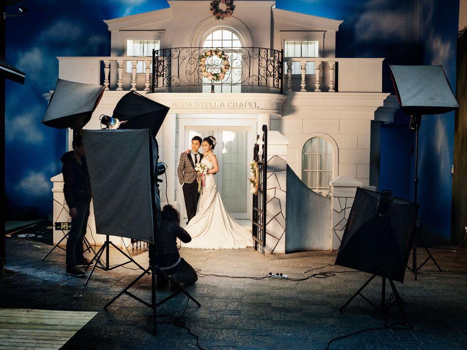 Entre bastidores: las ostentosas fotografías de boda en China