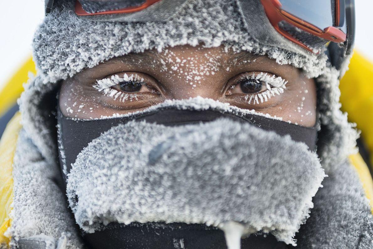 Imagen de un hombre en el polo norte.
