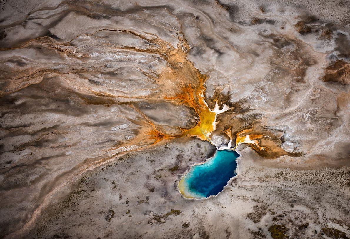 Imagen de una zona geotérmica en el Parque Nacional de Yellowstone
