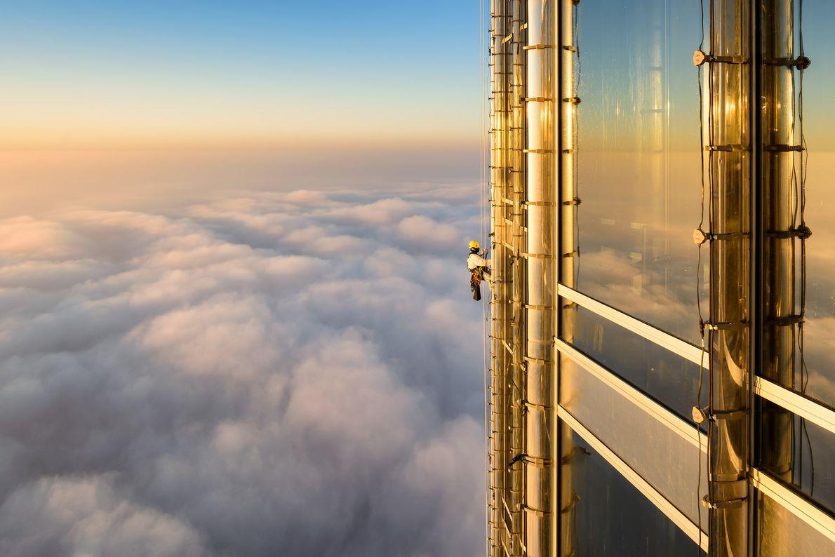 Foto de un limpia ventanas en Burj Khalifa en Dubai