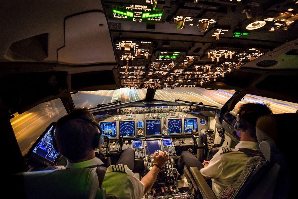 Imagen de la cabina de un avión
