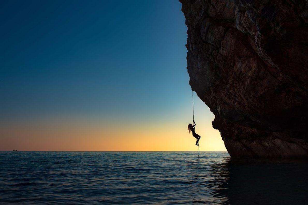 Escaladora en el Egeo