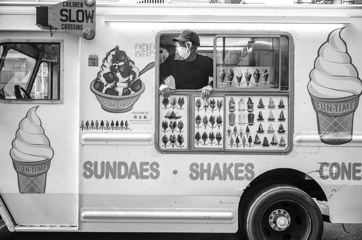 Trabajador de un camión de helados