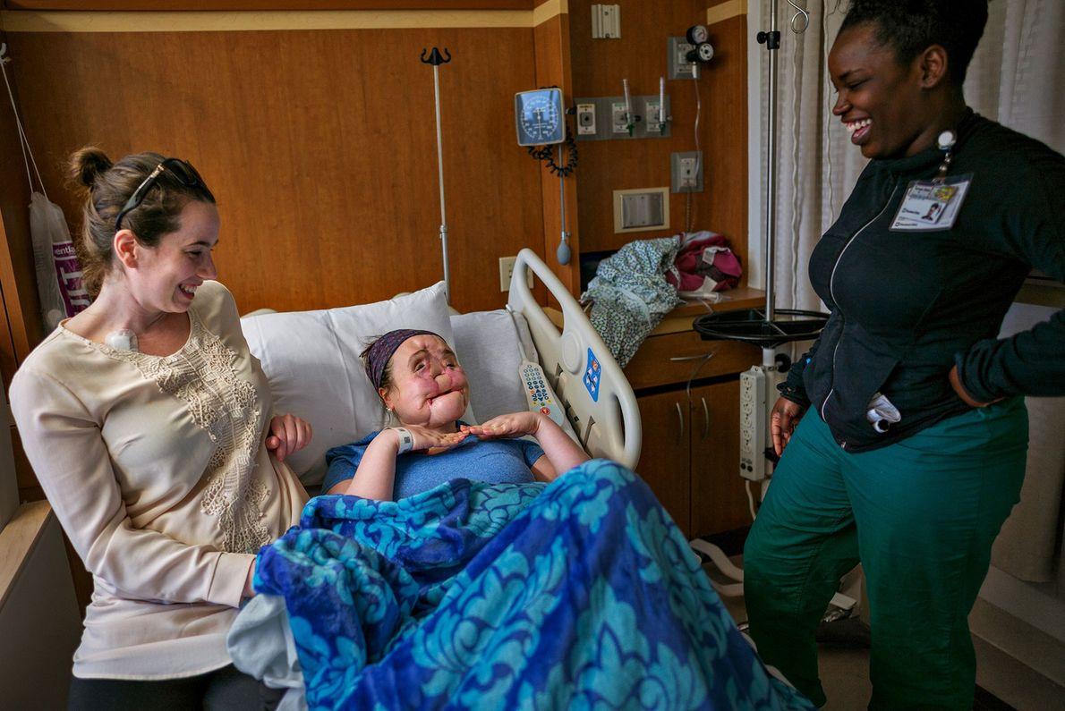 Katie con Diana Donnarumma y Karnya Wade