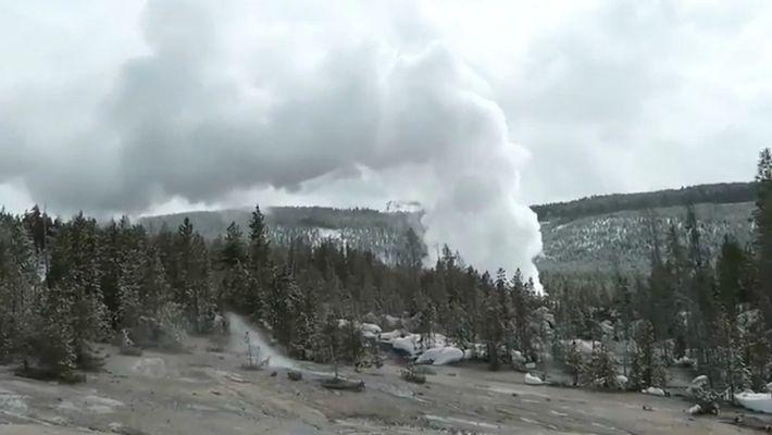 El géiser más potente del mundo entra en erupción tres veces tras años de silencio