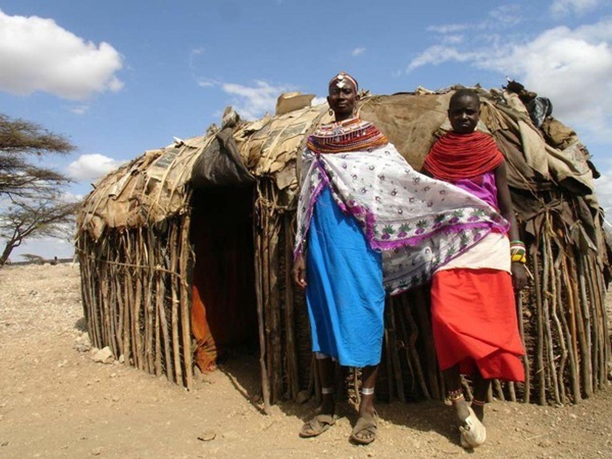 Mujeres de la tribuo Maasai