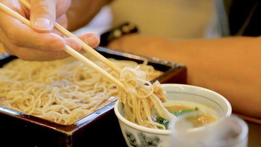 La elaboración de los fideos soba, un arte japonés