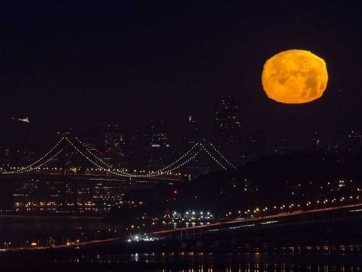 Luna en Bay Area