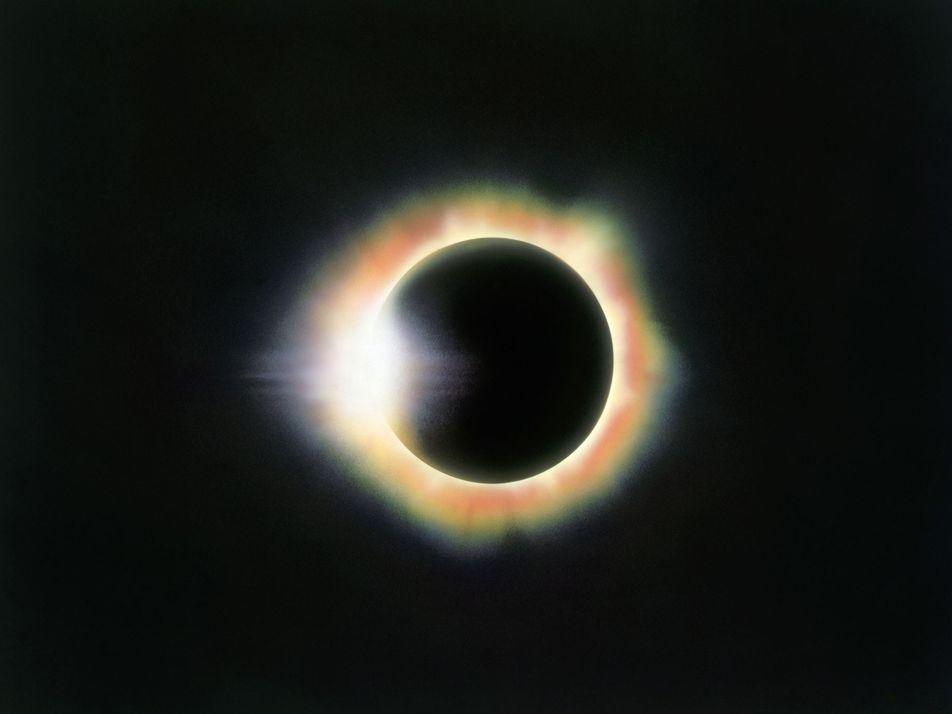 El anillo de diamante, las perlas de Baily y otros fenómenos visibles durante un eclipse solar