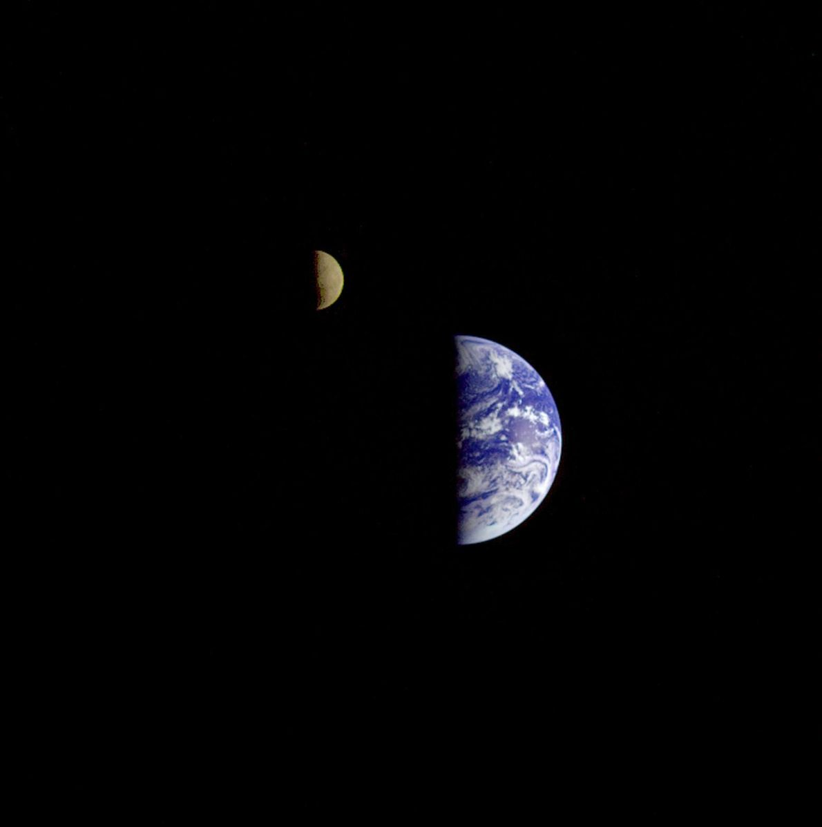 Imagen de la Luna y la Tierra desde Galileo