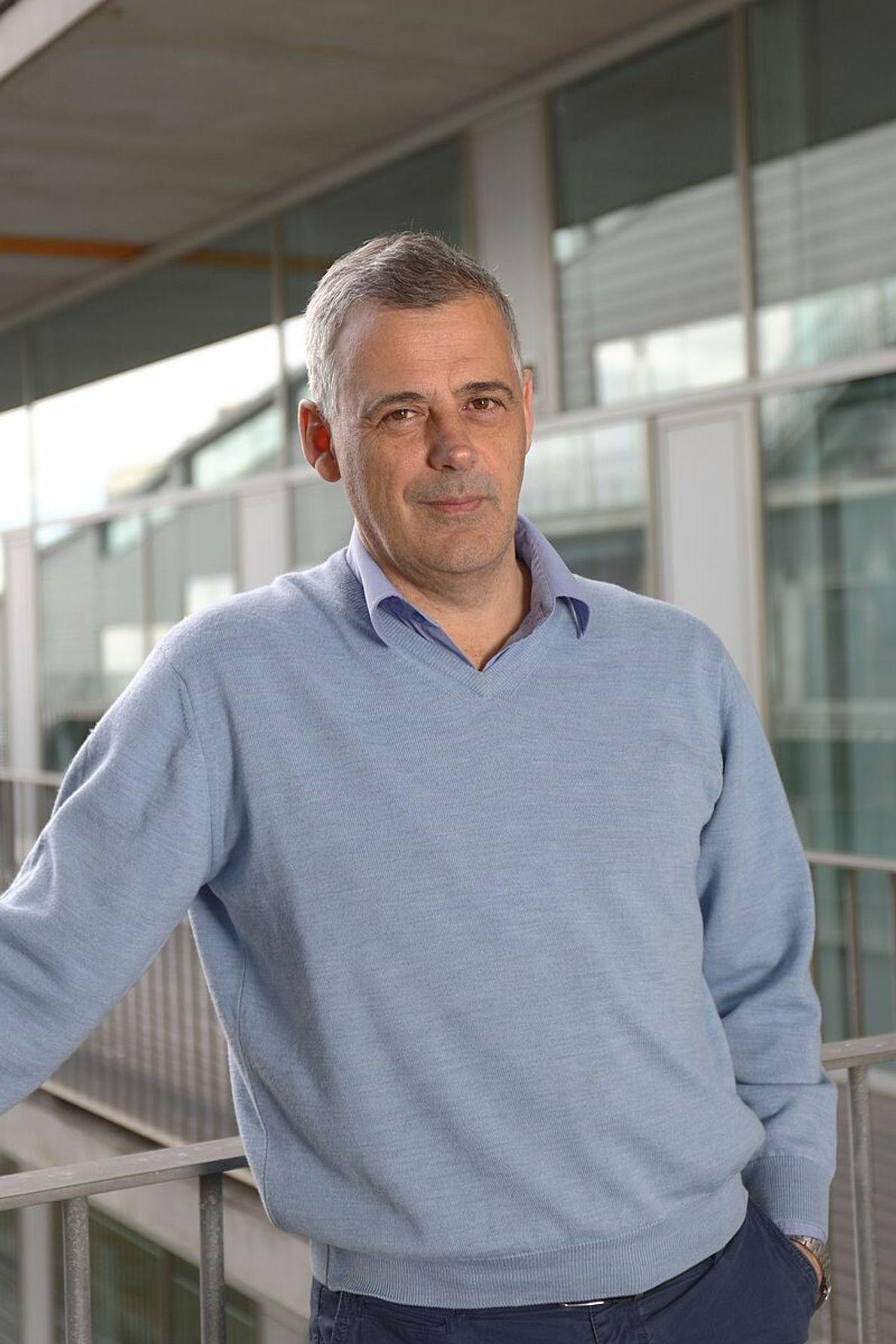 Luis Serrano Pubull (Madrid, 1959) es un investigador español especializado en el diseño computacional de proteínas ...