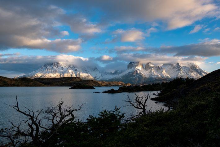 Los visitantes del Parque Nacional Torres del Paine verán por qué el nombre del macizo se ...
