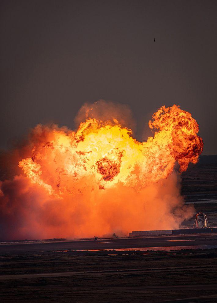 Explosión de la Starship SN8