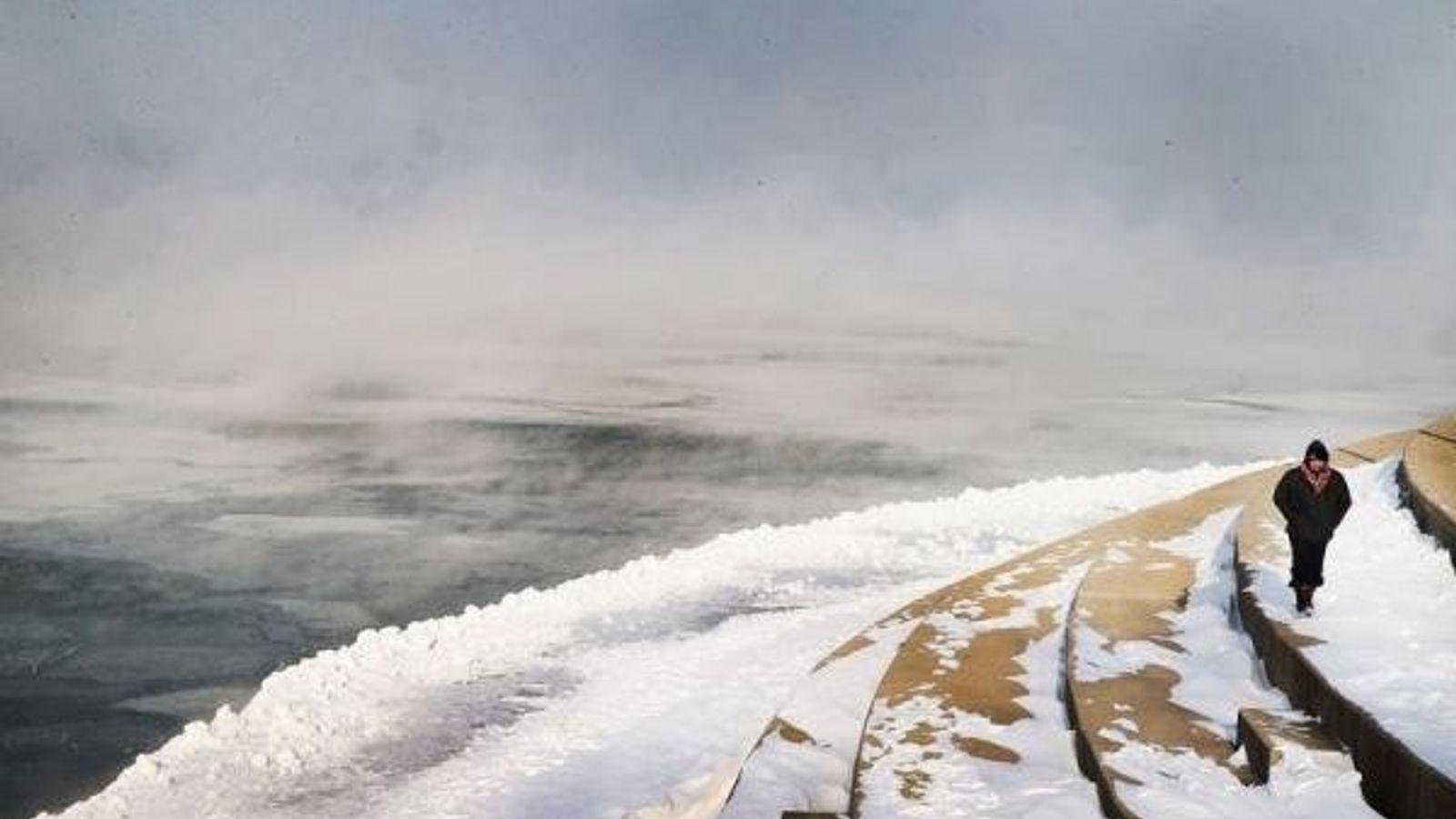 Niebla en el lago Michigan (Chicago, Illinois).