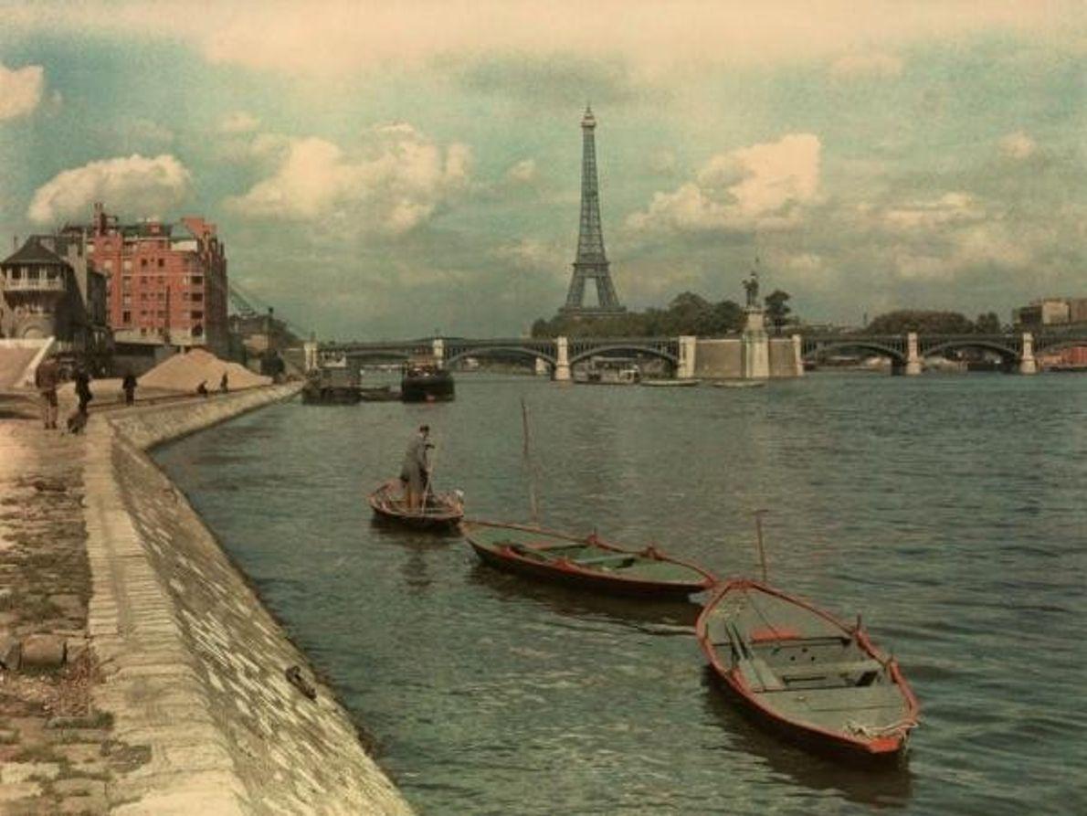 El Sena y la Torre Eiffel en julio de 1936.